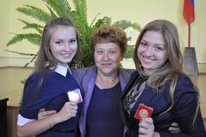 Вера Николаевна Горянская со своими помощниками - Настей Никулиной и Давыдовой Аленой