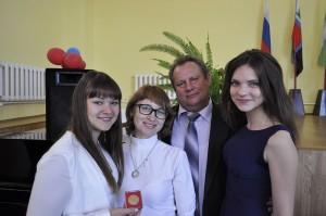 Любители песни и танцев вместе с Алтуниным В.И. и Катаевой Т.А.